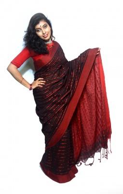 Black Body Handloom Khadi Cotton Red Large Pallu Multi Color Small Fish Motive Saree