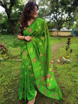 Bangladeshi Handloom Flower Weave Dhakai Jamdani Saree - AKPDJ12K07
